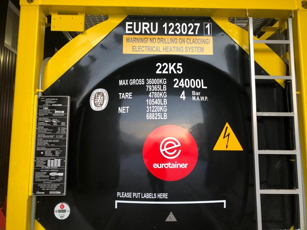 New additions to the Eurotainer fleet: Specialized tank containers capable of maintaining products with a maximum temperature of 220 degrees C!