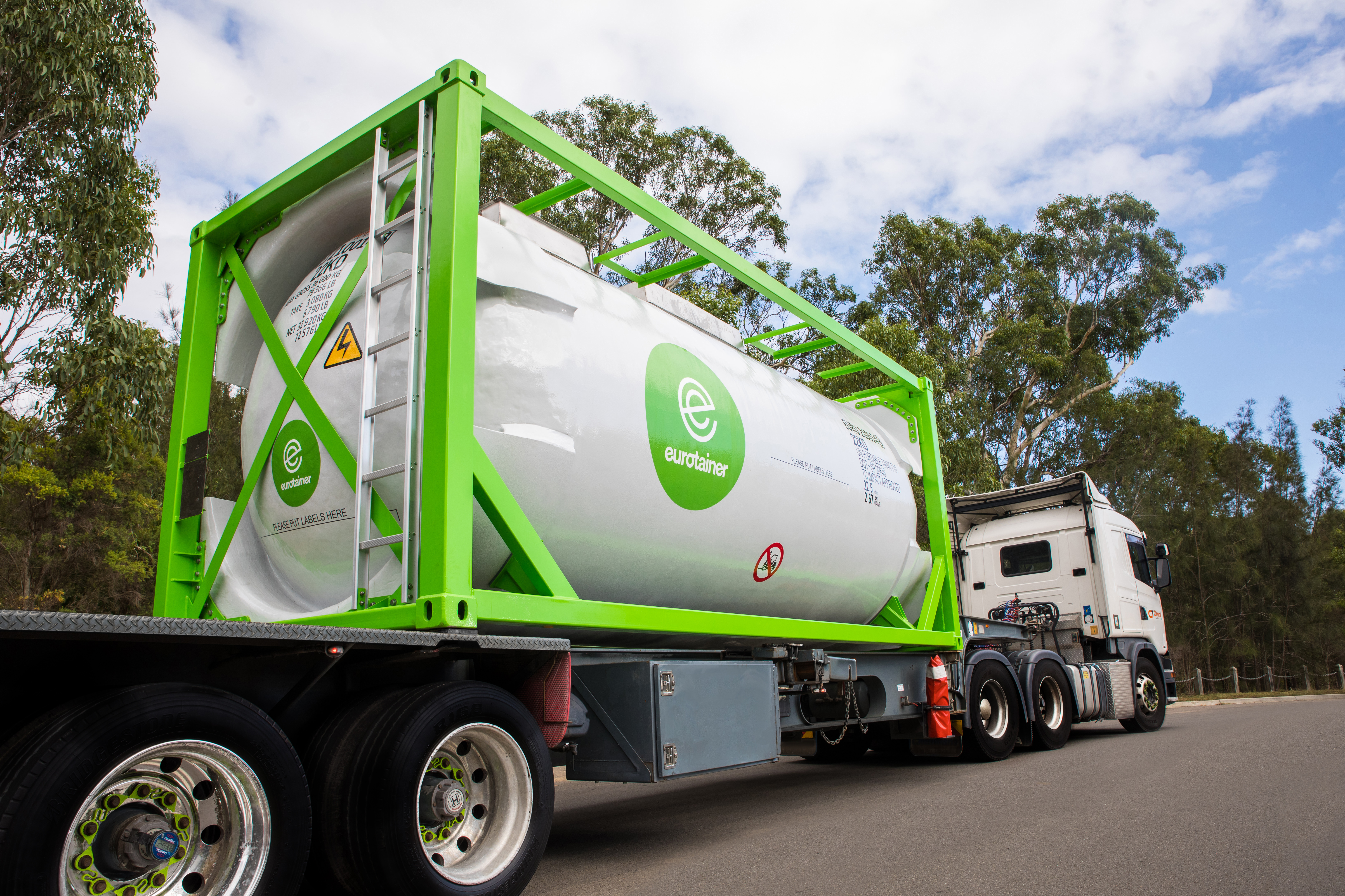 NEW VIDEO: Eurotainer Composite Tank Containers: Easy washout for Hard to Clean Products
